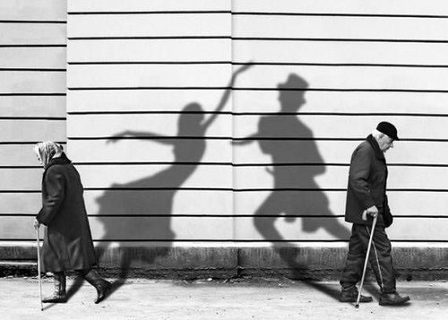 black-and-white-couple-old-shadows-spirit-Favim.com-103605.jpg
